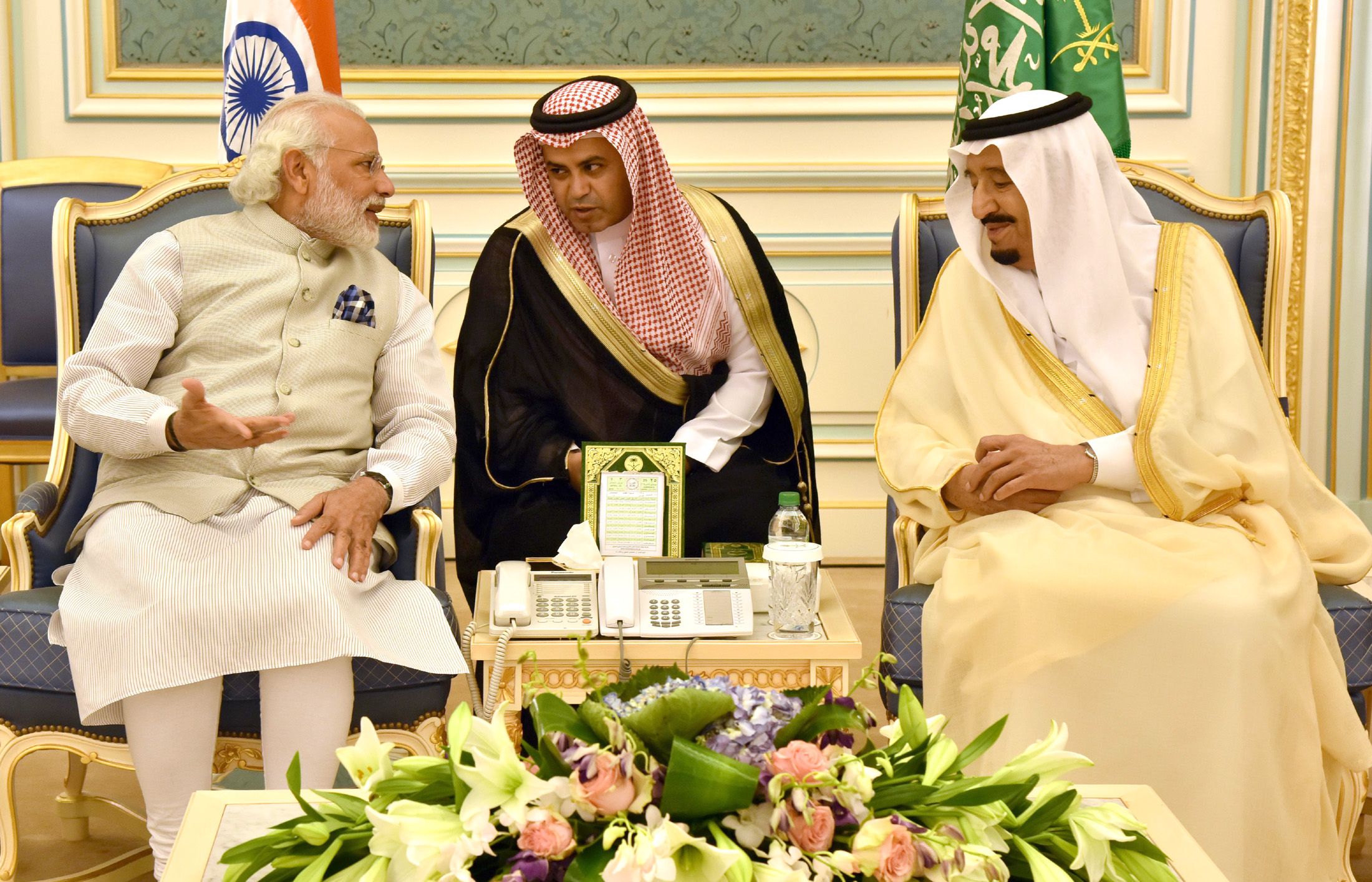 The Prime Minister, Shri Narendra Modi meeting the King Salman bin Abdul Aziz Al Saud of Saudi Arabia, at the Royal Court, in Riyadh, Saudi Arabia on April 03, 2016.